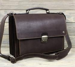 портфель из жесткой кожи коричневый